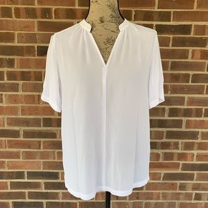 NWT NYDJ white short sleeve blouse